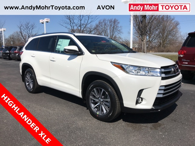 New 2018 toyota highlander xle 4d sport utility near indianapolis new 2018 toyota highlander xle fandeluxe Images